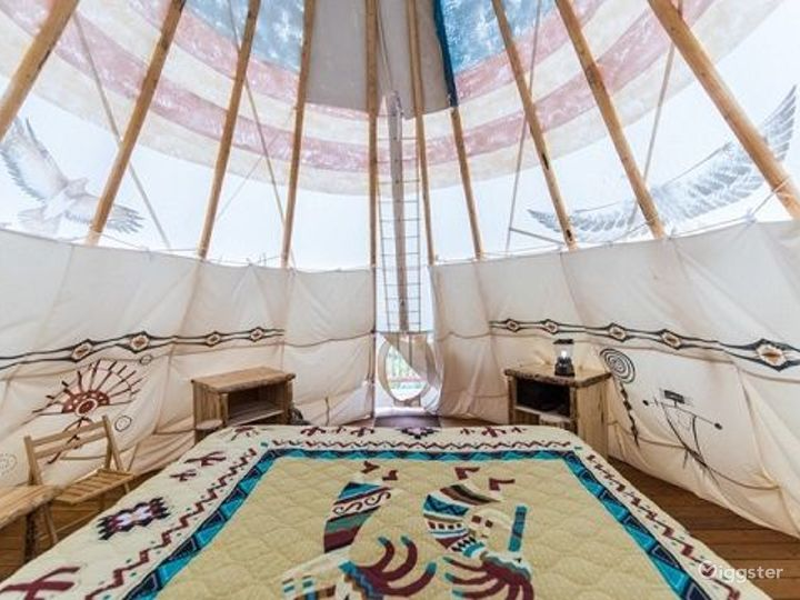Beautiful Tipi 2 Glamping with Earth Color Vibe Photo 3