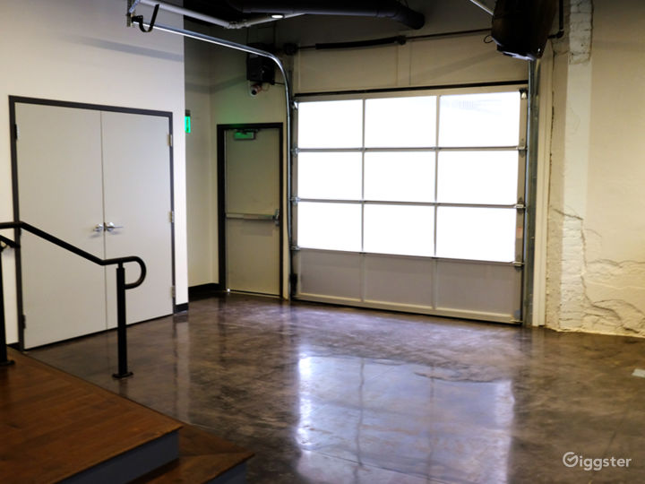 Multifunctional Spacious Studio Photo 2