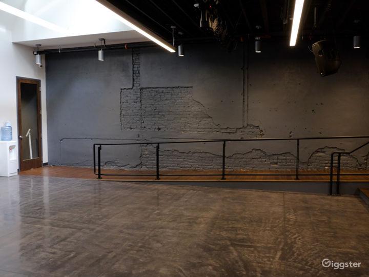 Multifunctional Spacious Studio Photo 3