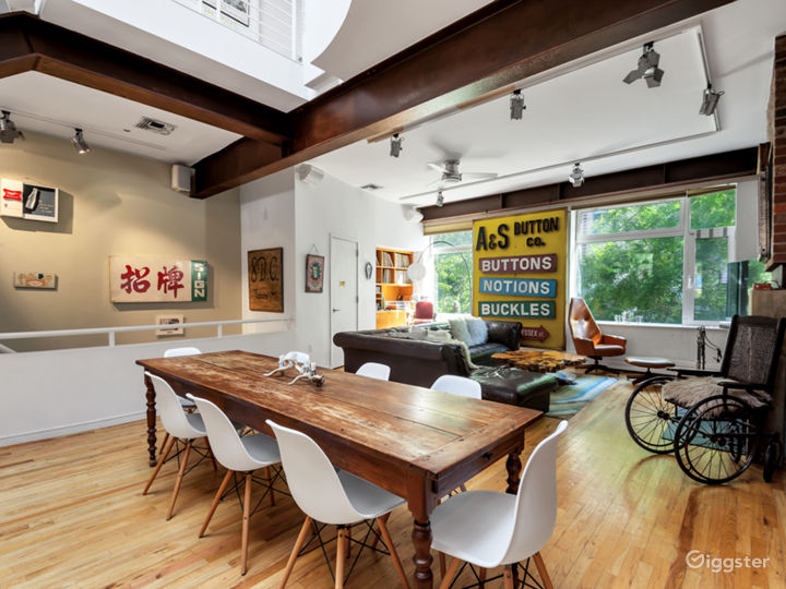 Spectacular East Village Townhouse with Garden Photo 2