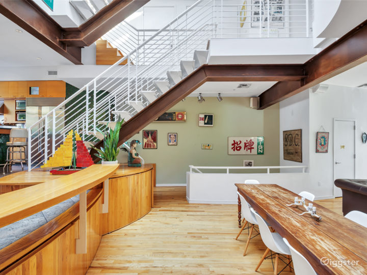 Spectacular East Village Townhouse with Garden Photo 3