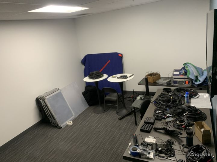 Storage / Production Space included with Studio Space.
