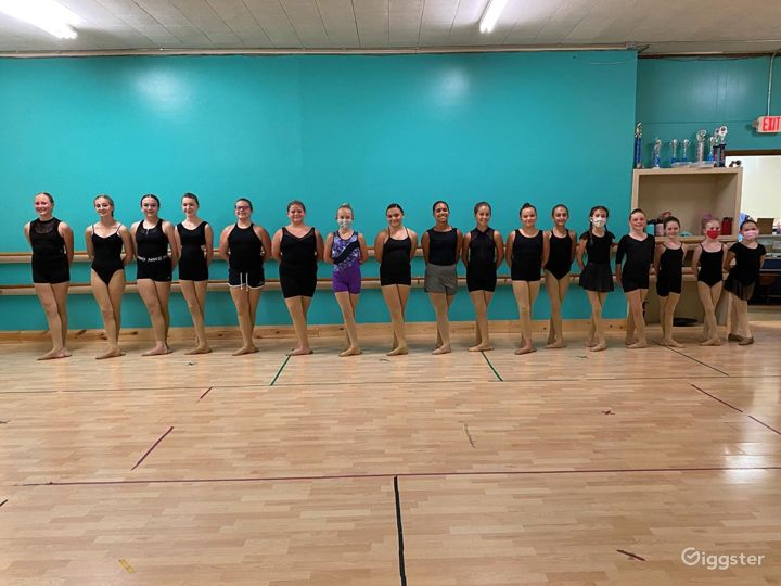Massive Dance Studio with Two Large Rooms Photo 5