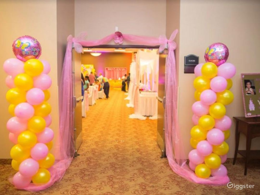 Perfect Room for your Next Corporate Event Photo 1