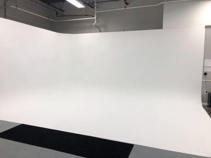 Creative Production Studio for Photoshoot Photo 2