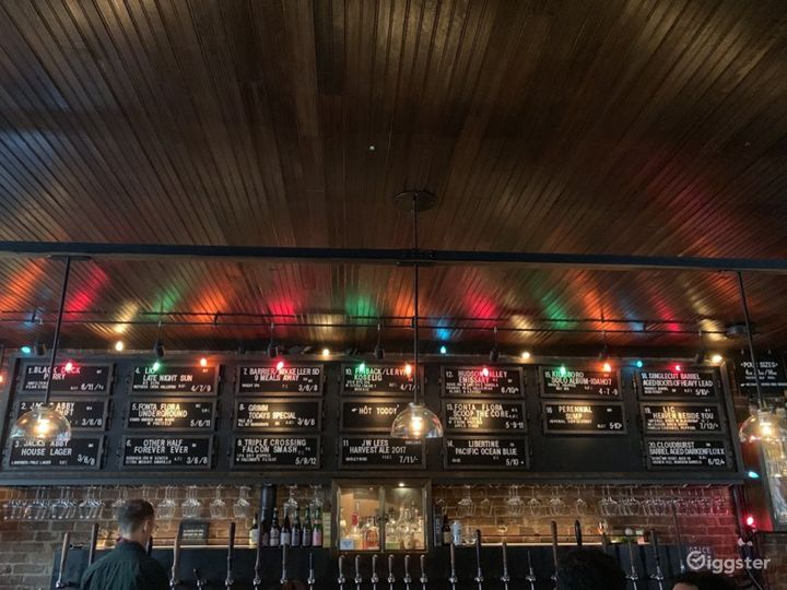 Spectacular Bar Known with Cool Craft Beers in NYC Photo 5