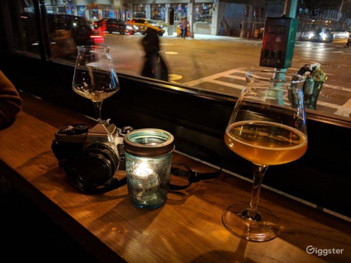 Spectacular Bar Known with Cool Craft Beers in NYC Photo 4