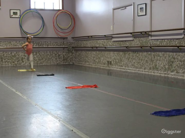Open Room Dance Studio Great for Workshops and Fitness Classes Photo 5