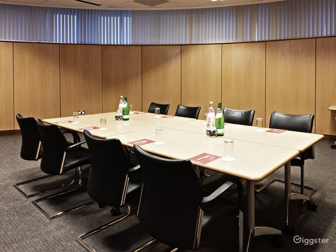 Meeting Room for up to 24 people in Reading Photo 1
