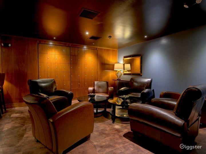 Slow Burn Cigar Cocktail Lounge Photo 3