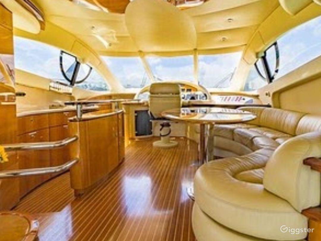 Top-Notch 55FT AZIMUT RR Party Yacht Space Events Photo 1