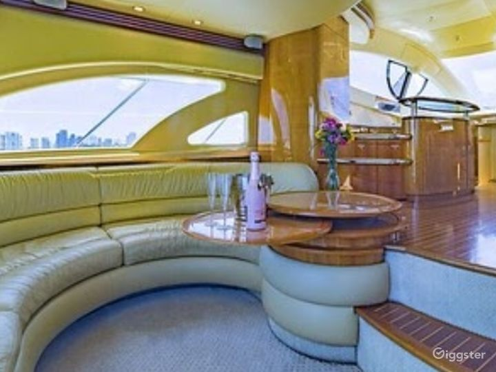 Top-Notch 55FT AZIMUT RR Party Yacht Space Events Photo 2
