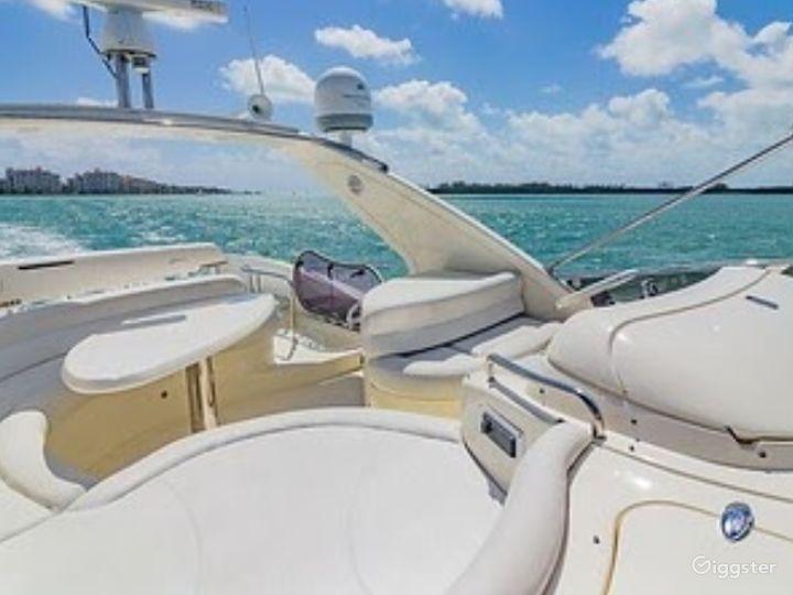 Top-Notch 55FT AZIMUT RR Party Yacht Space Events Photo 4