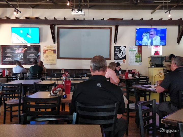 Fun and Spacious Lower Level Restaurant, Event Space in Decatur Photo 4