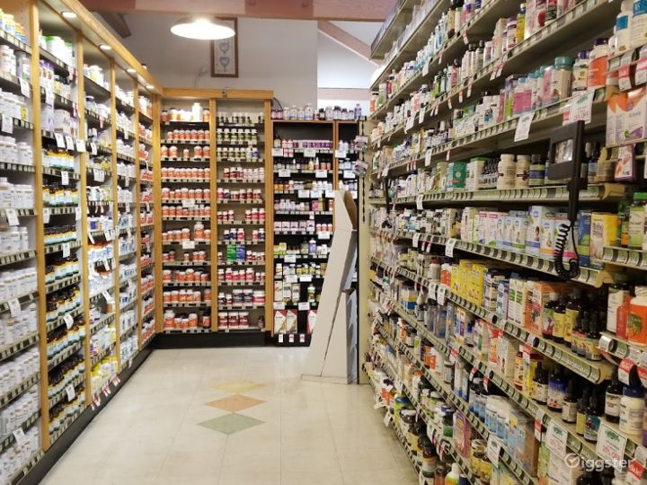 Spacious Health Food Store Perfect for Photoshoots and Productions in Santa Maria Photo 2