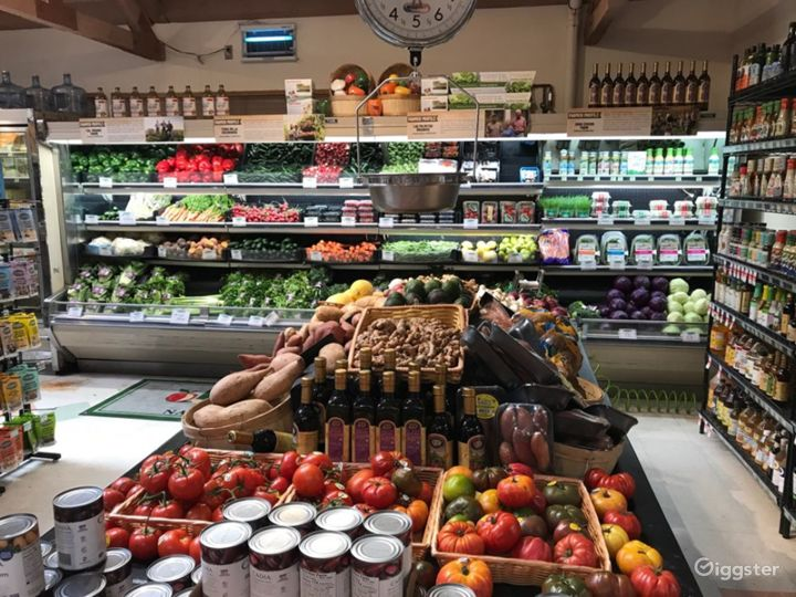 Spacious Health Food Store Perfect for Photoshoots and Productions in Santa Maria Photo 3