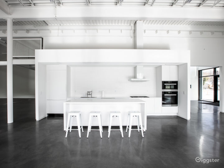 STUDIO A - Daylight/Show Kitchen