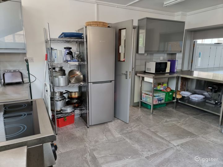 Cosy Kitchen in London Photo 4