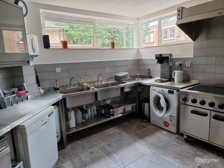 Cosy Kitchen in London Photo 2