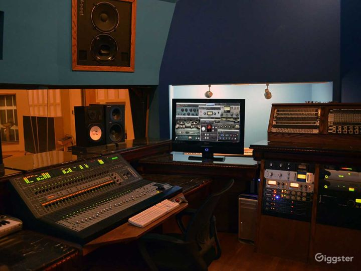 Studio and Isolation Room in Pittsburgh Photo 4