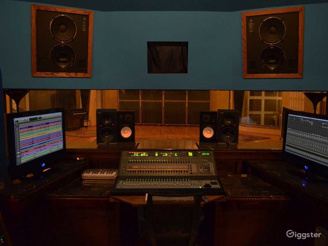 Studio and Isolation Room in Pittsburgh Photo 1