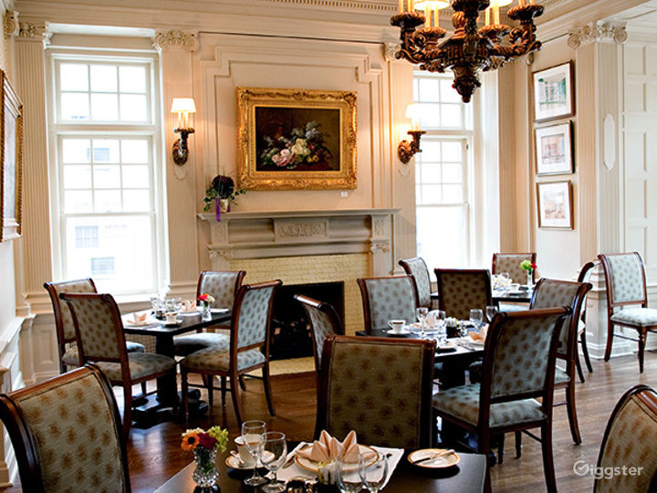 Cozy Dining Area in Pittsburgh Photo 3