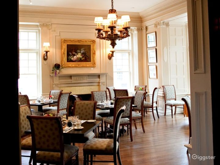 Cozy Dining Area in Pittsburgh Photo 2