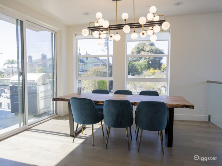 Modern Townhouse by the Sea Photo 5