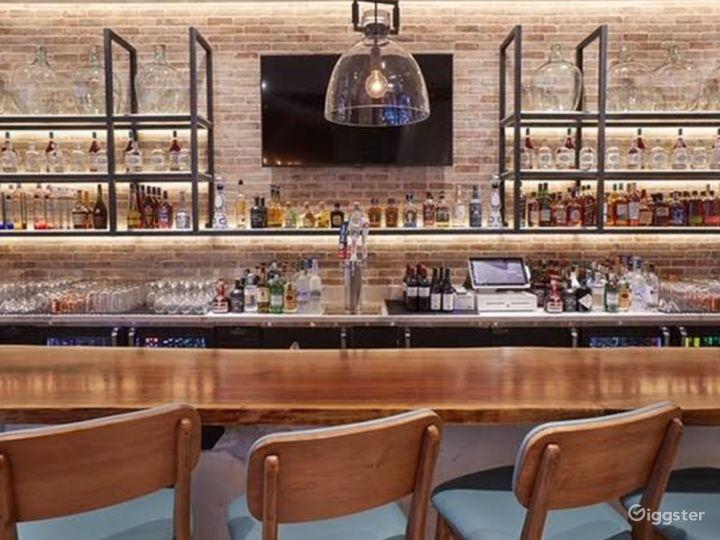 A Classy Bar in Astoria Boulevard  Photo 5