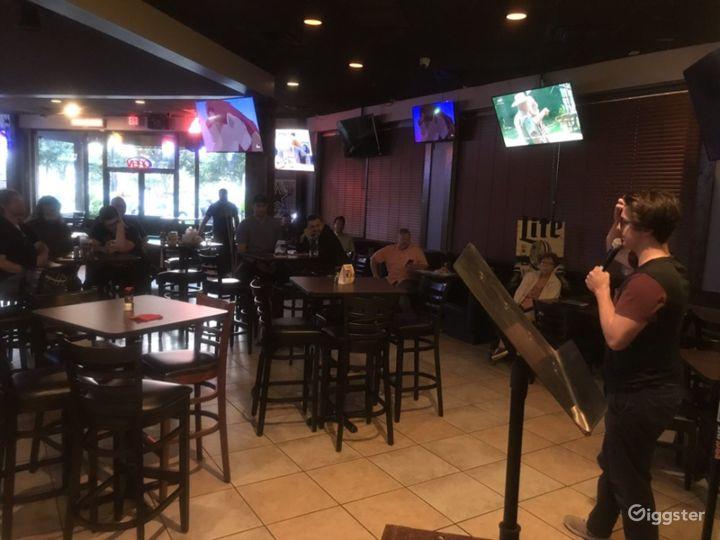 Atmospheric Tavern in Dallas Photo 5