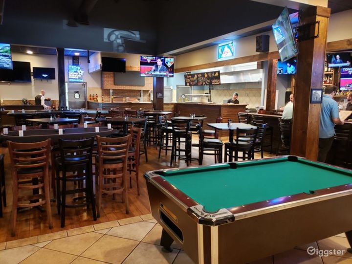 Atmospheric Tavern in Dallas Photo 3
