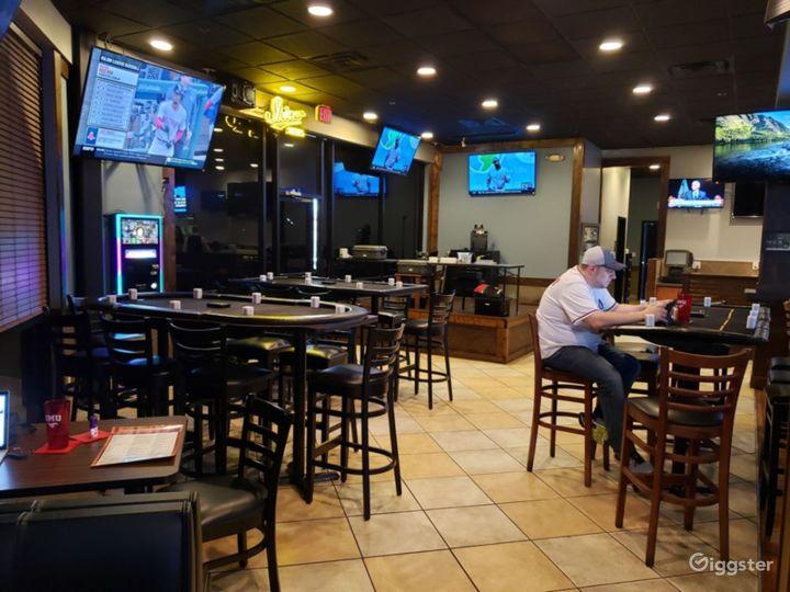 Atmospheric Tavern in Dallas Photo 2