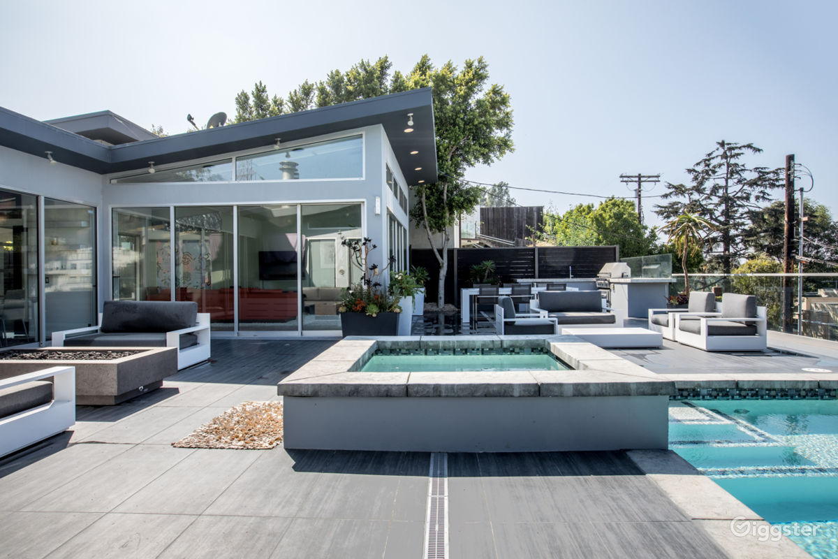 Rent the houseresidential the modern gambler for filming photo shooting in los