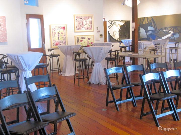 Art Gallery & NYC style Loft w/ Kitchen Photo 5
