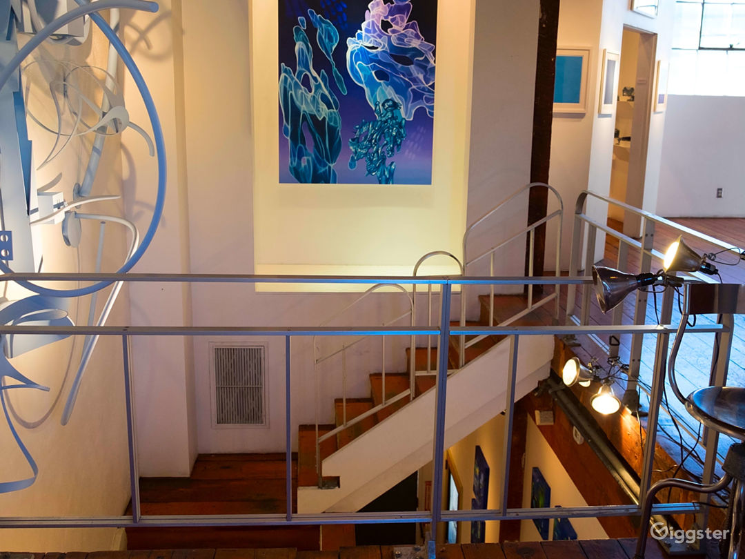 Art Gallery & NYC style Loft w/ Kitchen Photo 1