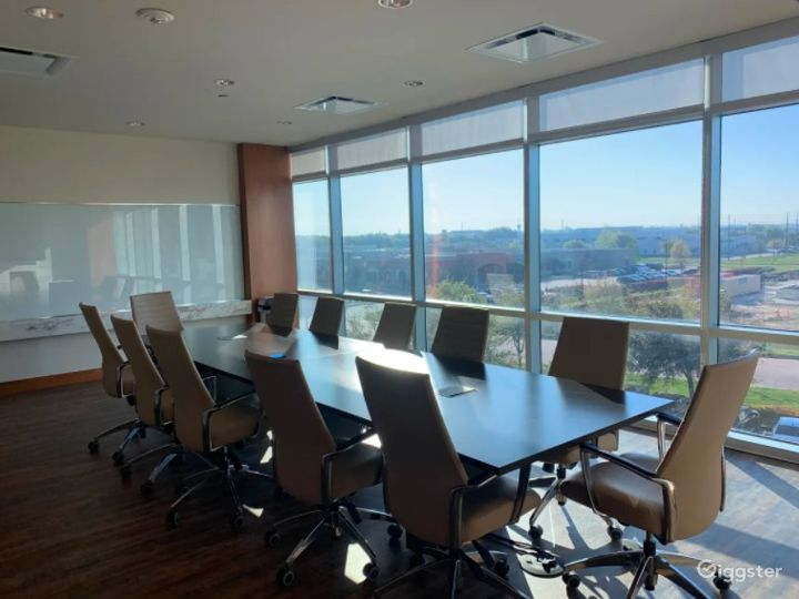 Large Conference Room with AV Capabilities Photo 4