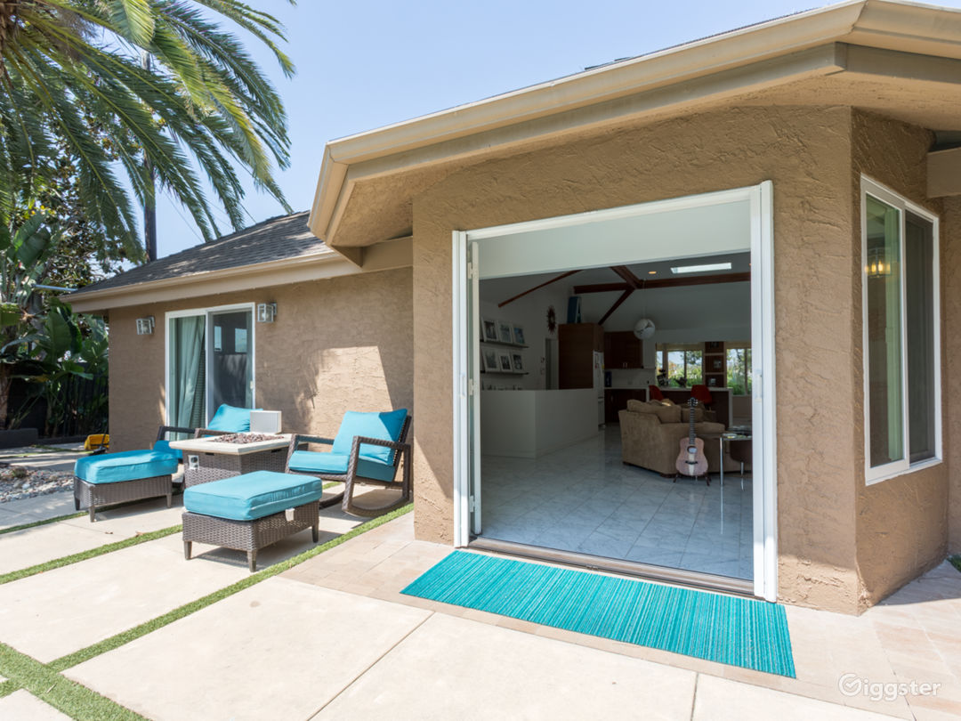 Residential private compound w/pool oasis in LA Photo 4