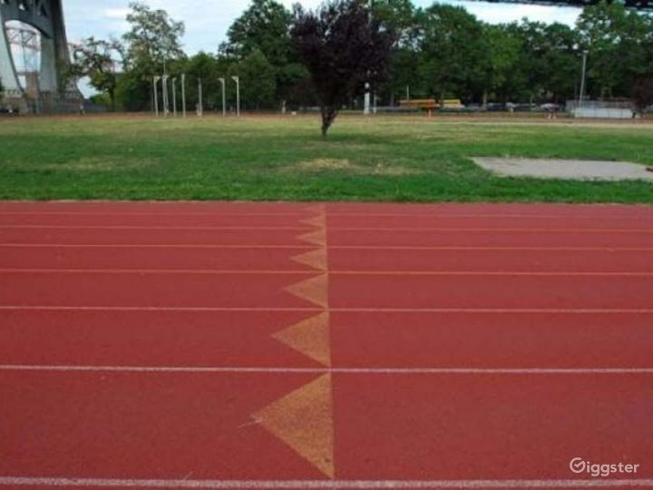 Athletics field with running track: Location 4261 Photo 2