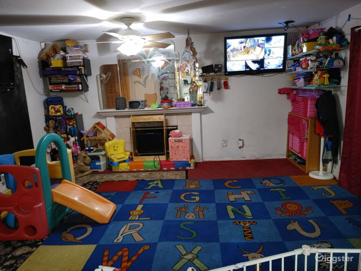 Family home with daycare areas Photo 3