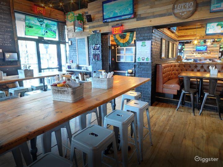 Cozy Semi-Private Dining Space in Georgia Photo 5