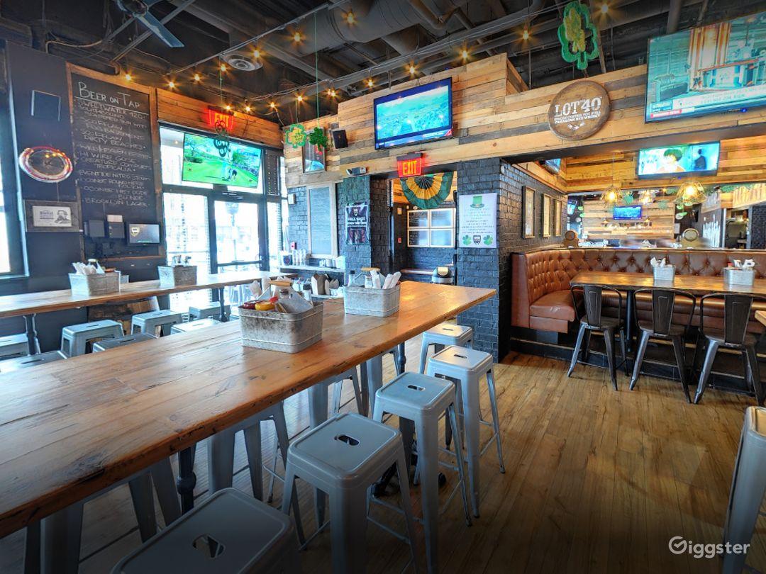 Cozy Semi-Private Dining Space in Georgia Photo 1