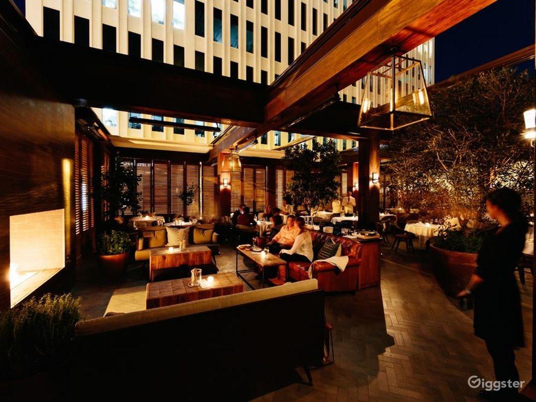 Contemporary Restaurant in Los Angeles Photo 1
