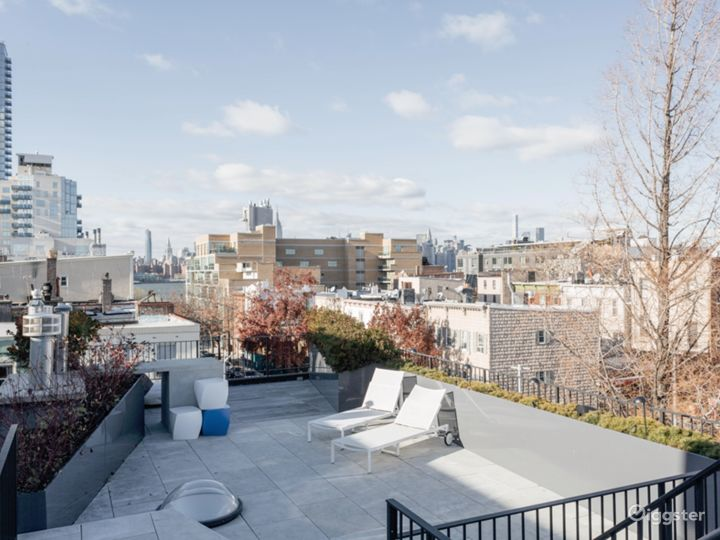Exclusive Townhouse w/Terrace: Location 5186 Photo 4