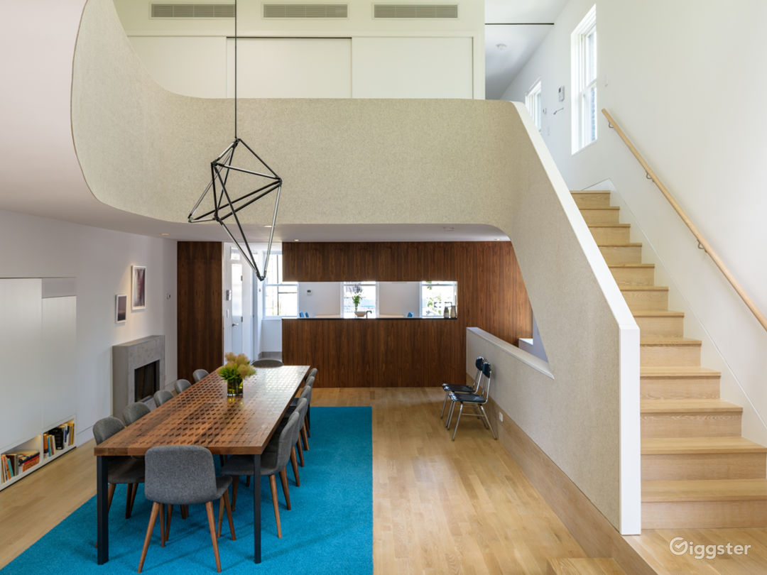 Exclusive Townhouse w/Terrace: Location 5186 Photo 1