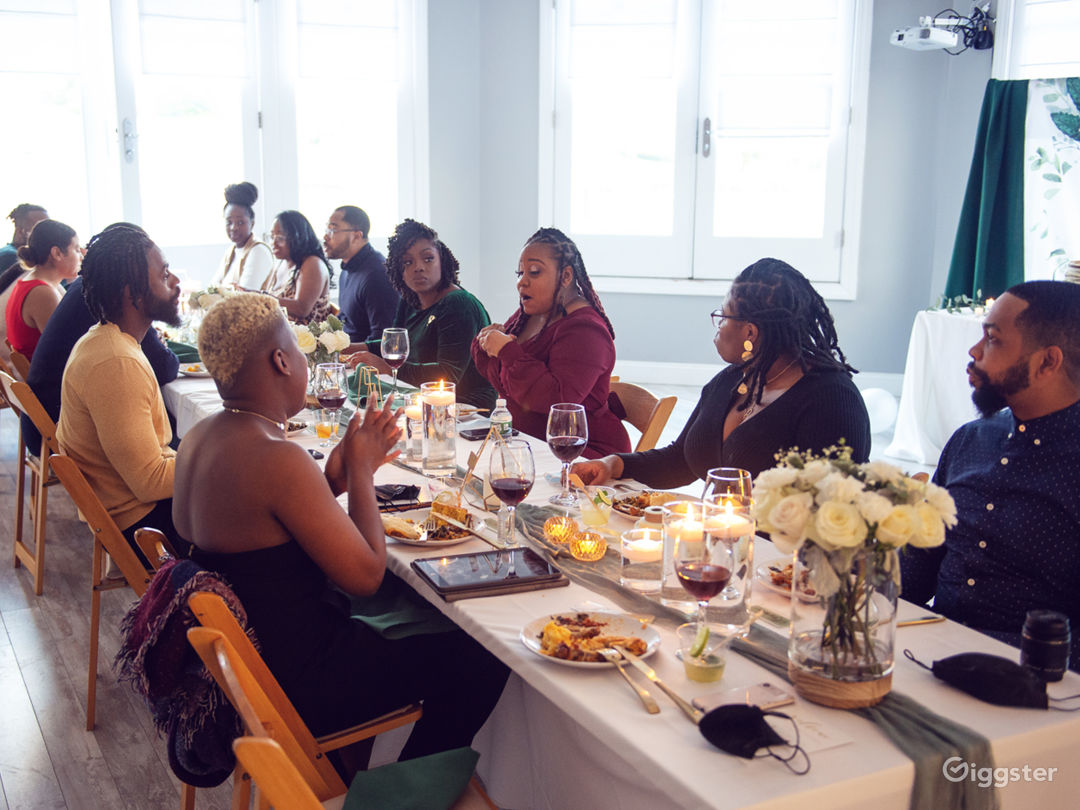 Host Your Dinner Party or Bruch with us