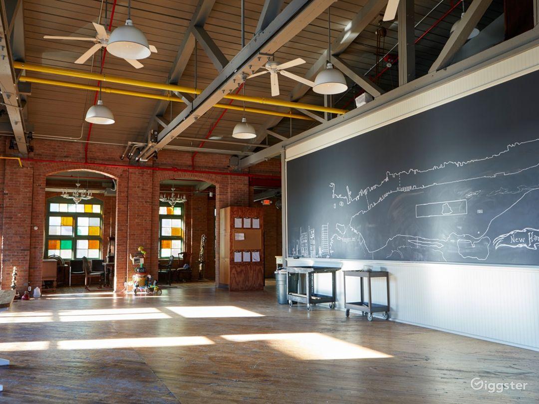 Stunning Artist's Atelier Loft Photo 2