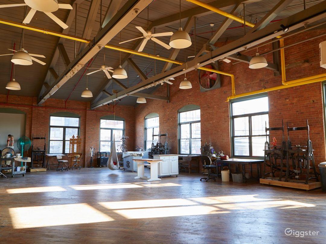 Stunning Artist's Atelier Loft Photo 1