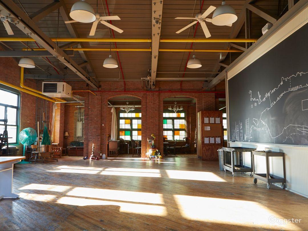 Stunning Artist's Atelier Loft Photo 5
