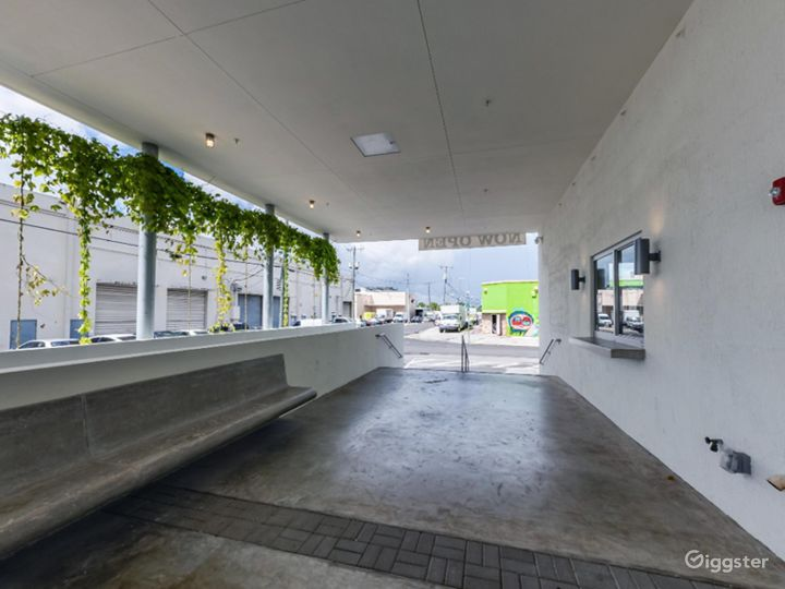 Large Space for Events and Production in Hialeah Photo 2