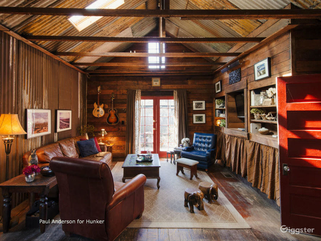 Frogtown Cabin Photo 2